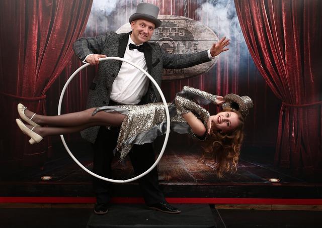 iluzionistu šovs maģija